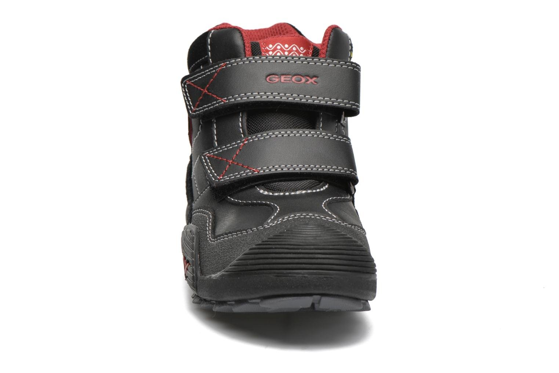 Baskets Geox JR Savage J5424A Noir vue portées chaussures