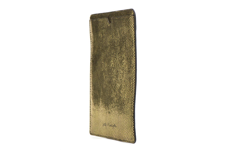 Pelletteria Petite mendigote Big Etoile Porte iPad Oro e bronzo modello indossato