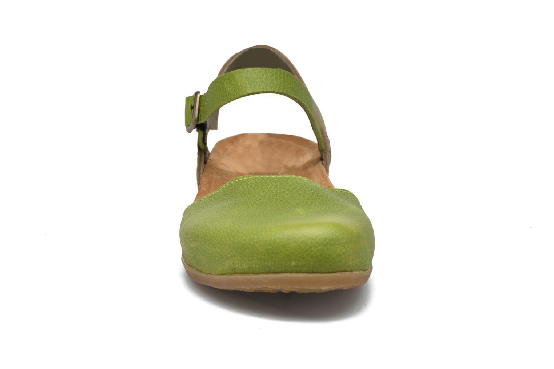 Sandales et nu-pieds El Naturalista Zumaia NF41 Vert vue portées chaussures