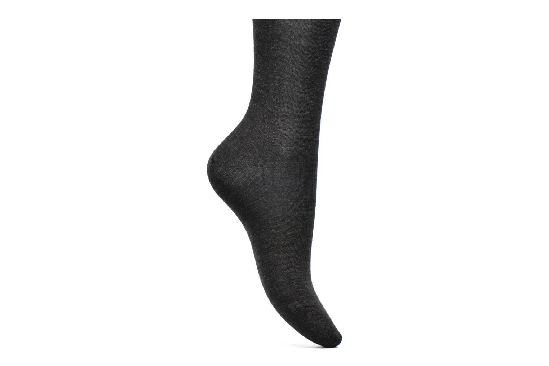 Socken & Strumpfhosen Falke Chaussettes hautes Berlin Sensitive grau ansicht von hinten