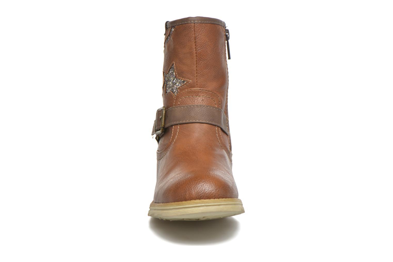 Stivali Mustang shoes Gisa Kids Marrone modello indossato