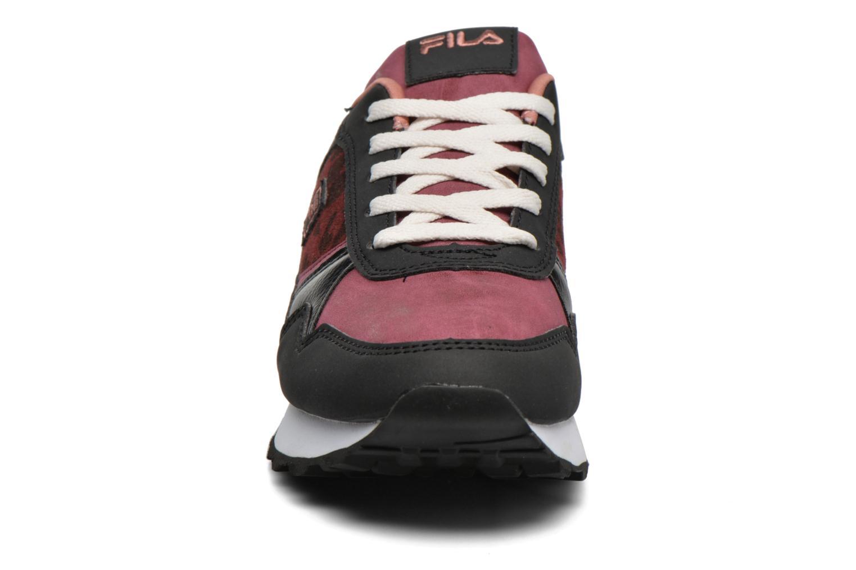 Baskets FILA Loulou A Plateform Bordeaux vue portées chaussures