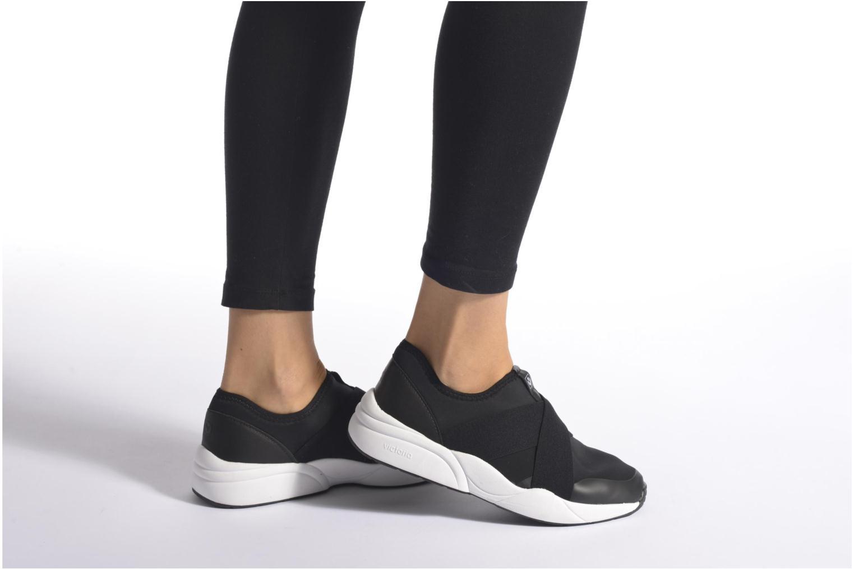 Baskets Victoria Sneakers Elastico Noir vue bas / vue portée sac