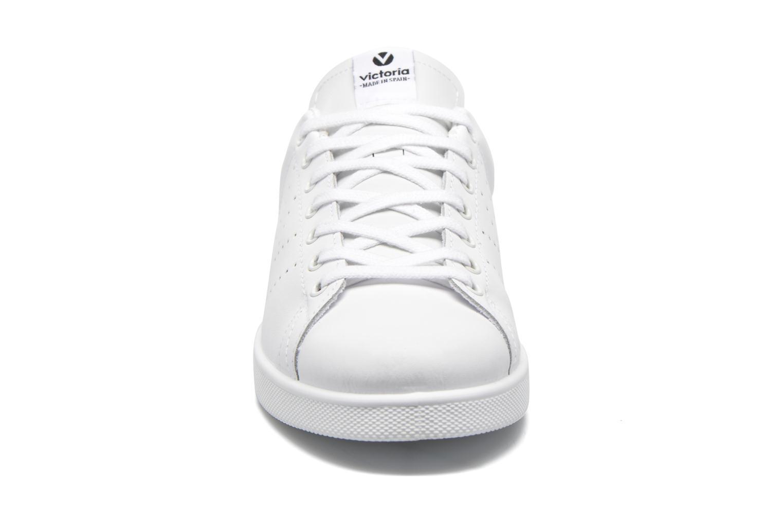 Baskets Victoria Deportivo Basket Piel M Blanc vue portées chaussures