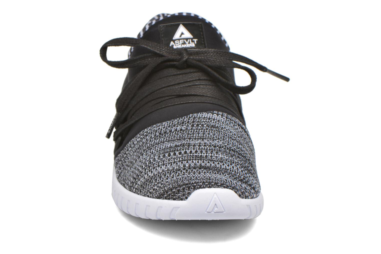 Sneakers Asfvlt Area Low Nero modello indossato