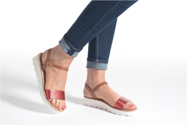 Sandales et nu-pieds L'Atelier Tropézien Guillemette Rouge vue bas / vue portée sac
