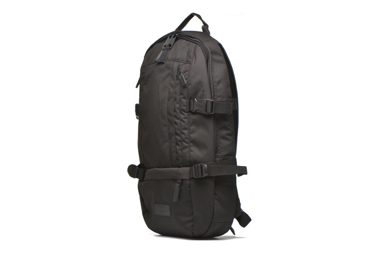 Rucksäcke Eastpak FLOID Sac à dos toile schwarz schuhe getragen