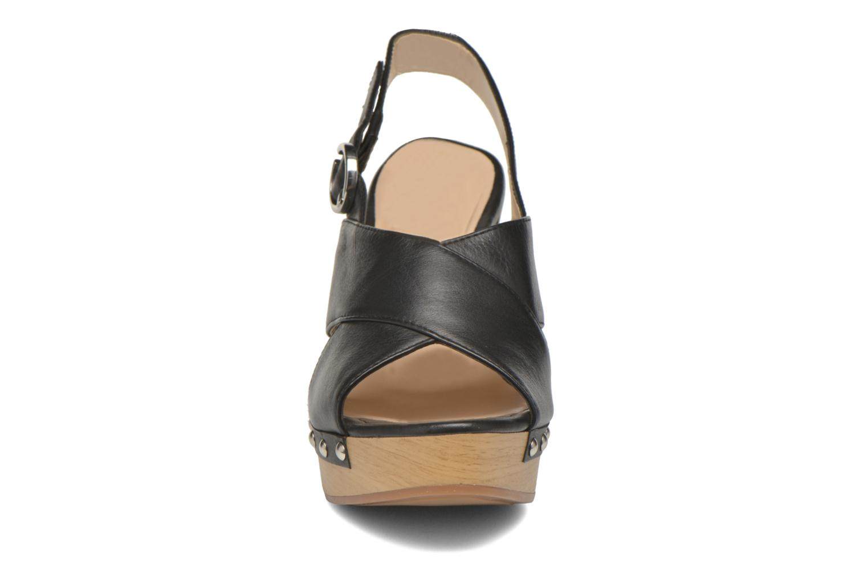 Sandali e scarpe aperte Unisa Trevor Nero modello indossato