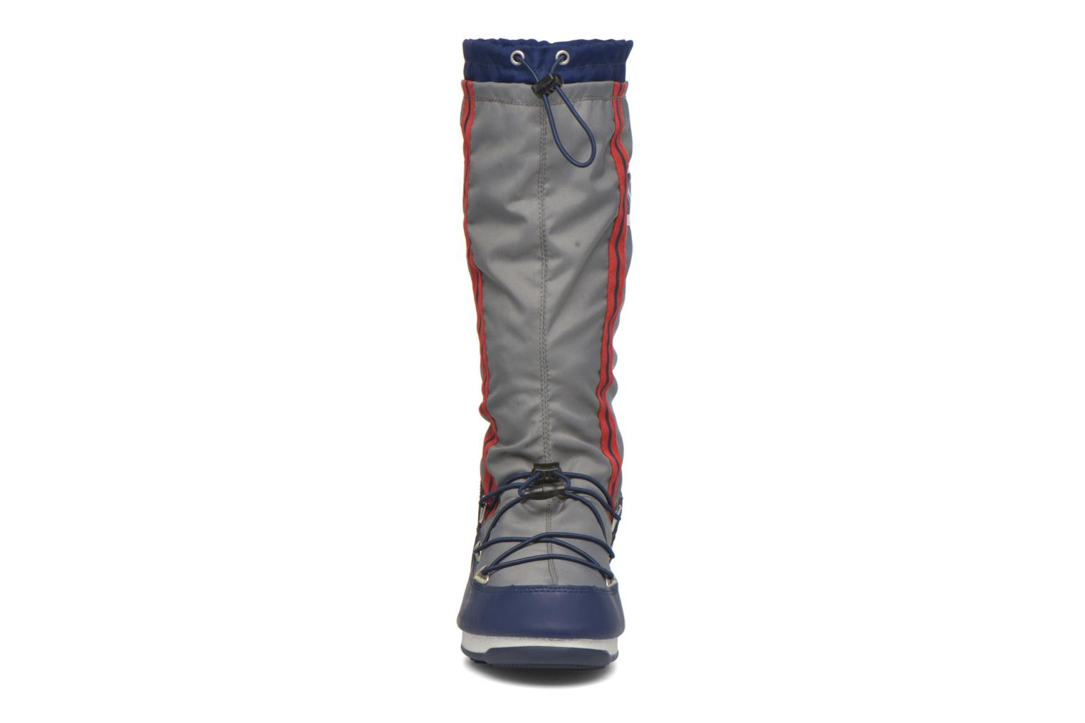 Bottes Moon Boot We Waterfall Gris vue portées chaussures