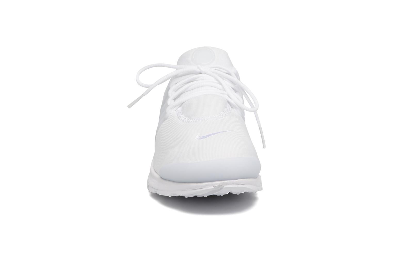 Baskets Nike Nike Air Presto Essential Blanc vue portées chaussures