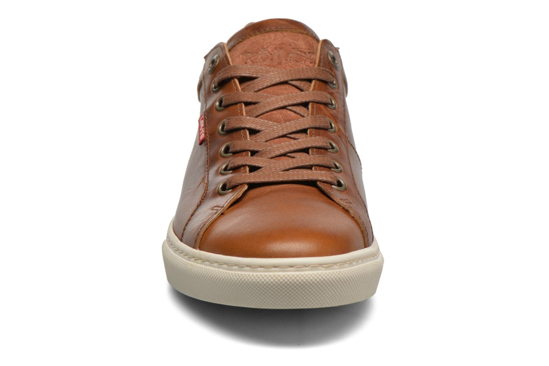 Sneaker Levi's Perris Derby braun schuhe getragen