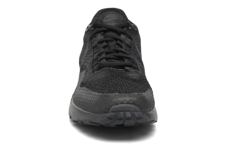 Baskets Nike Nike Air Max 1 Ultra Flyknit Noir vue portées chaussures