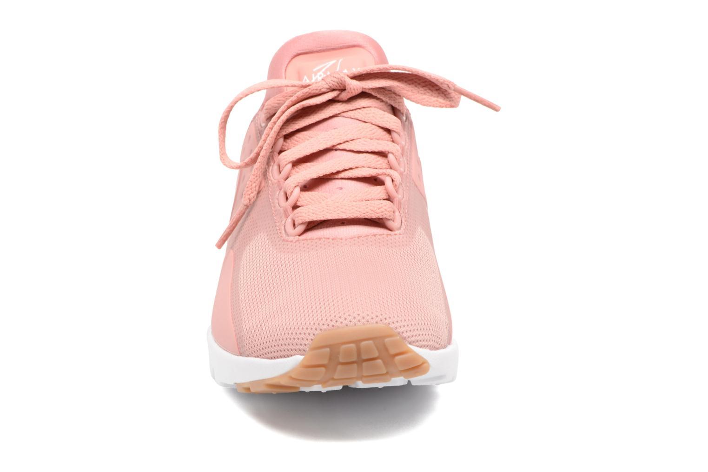 Deportivas Nike W Air Max Zero Rosa vista del modelo