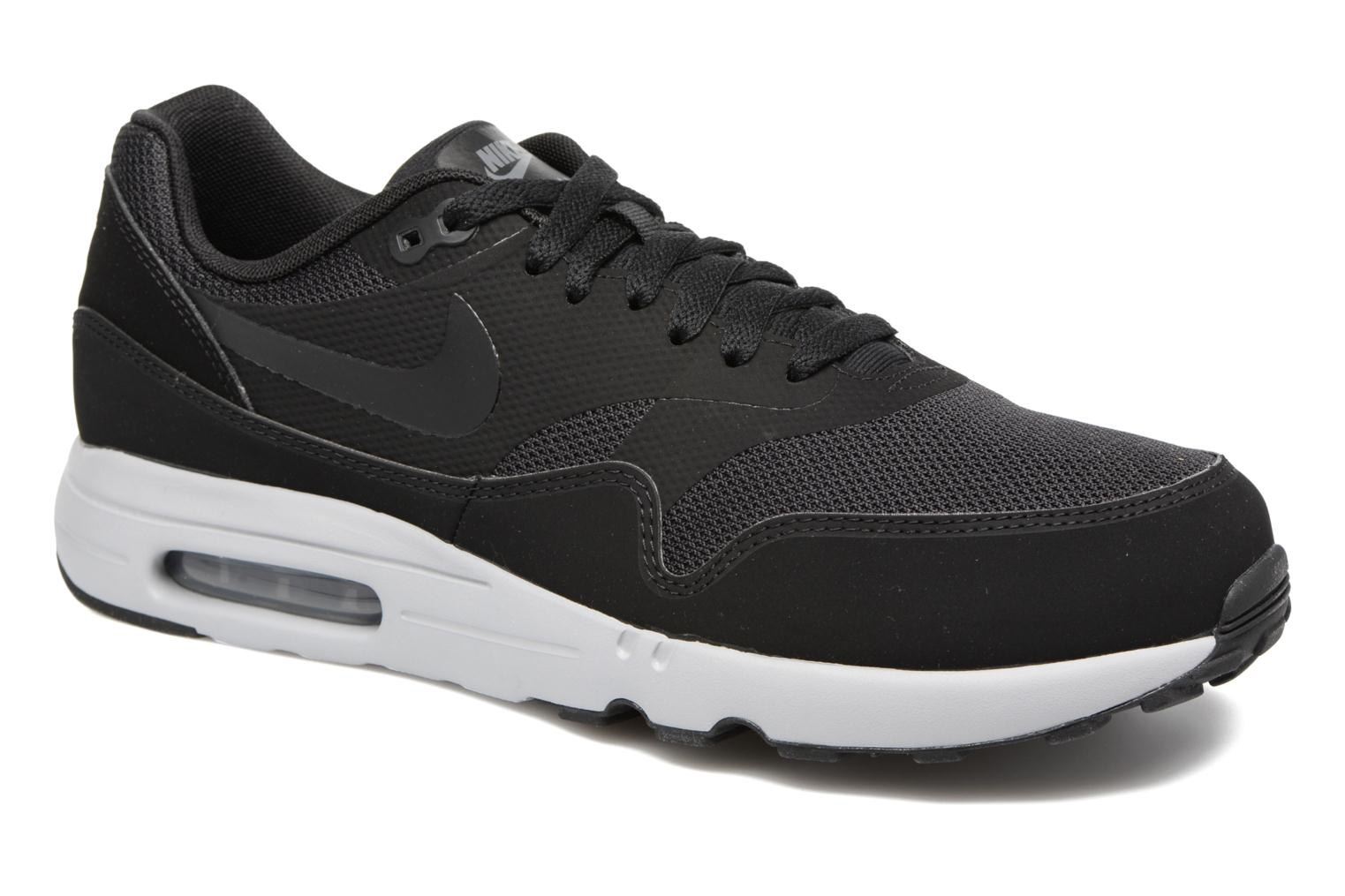 Trainers Nike Air Max 1 Ultra 2.0 Essential Black detailed view/ Pair view