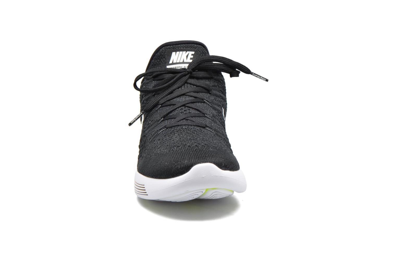 Chaussures de sport Nike Nike Lunarepic Low Flyknit 2 Noir vue portées chaussures