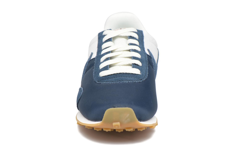 Baskets Nike W Pre Montreal Racer Vntg Bleu vue portées chaussures