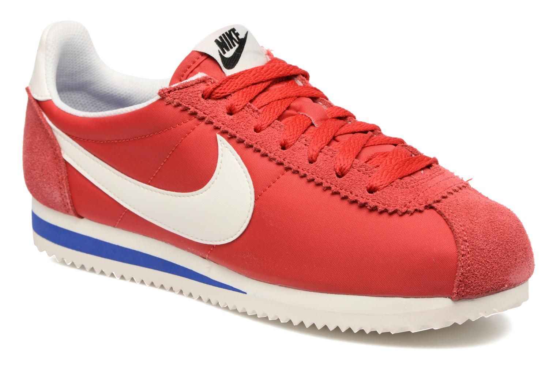Baskets Nike Wmns Classic Cortez Nylon Prem Rouge vue détail/paire
