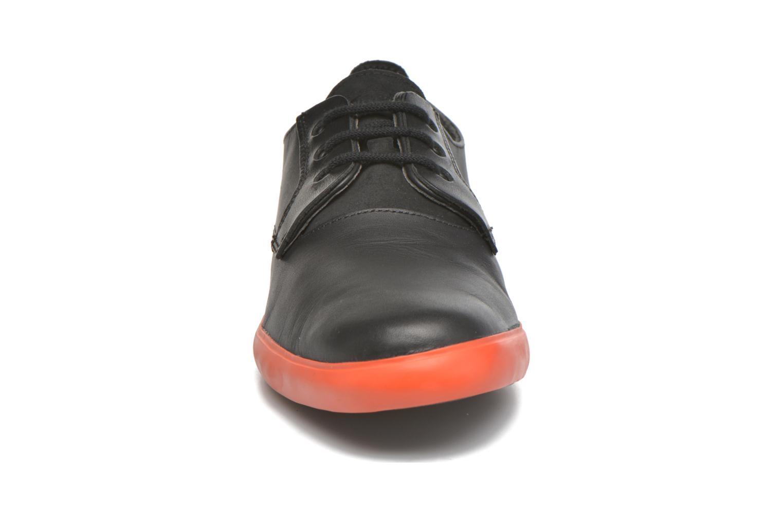 Baskets Camper Jim Noir vue portées chaussures