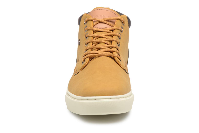 Sneakers British Knights Wood M Marrone modello indossato