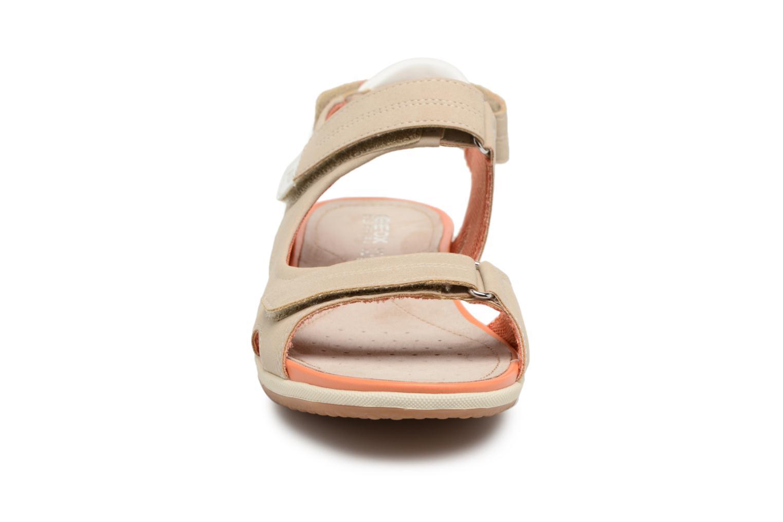 Sandali e scarpe aperte Geox D SAND.VEGA A D52R6A Beige modello indossato
