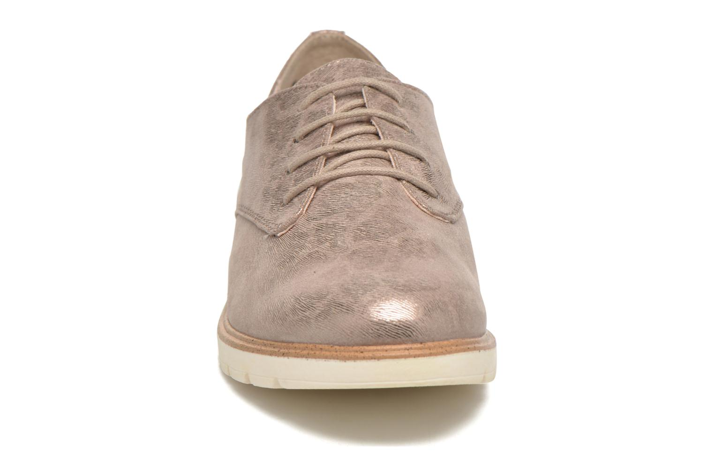 Chaussures à lacets Tamaris Lotie Beige vue portées chaussures