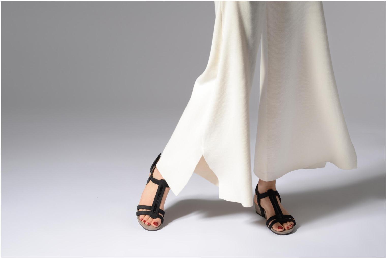 Sandales et nu-pieds Tamaris Potentille Noir vue bas / vue portée sac