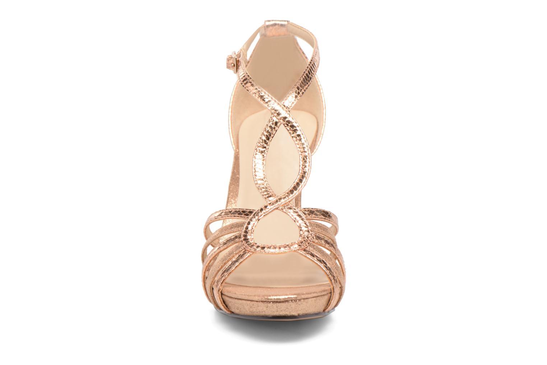 Sandales et nu-pieds Menbur TIFLIS Or et bronze vue portées chaussures