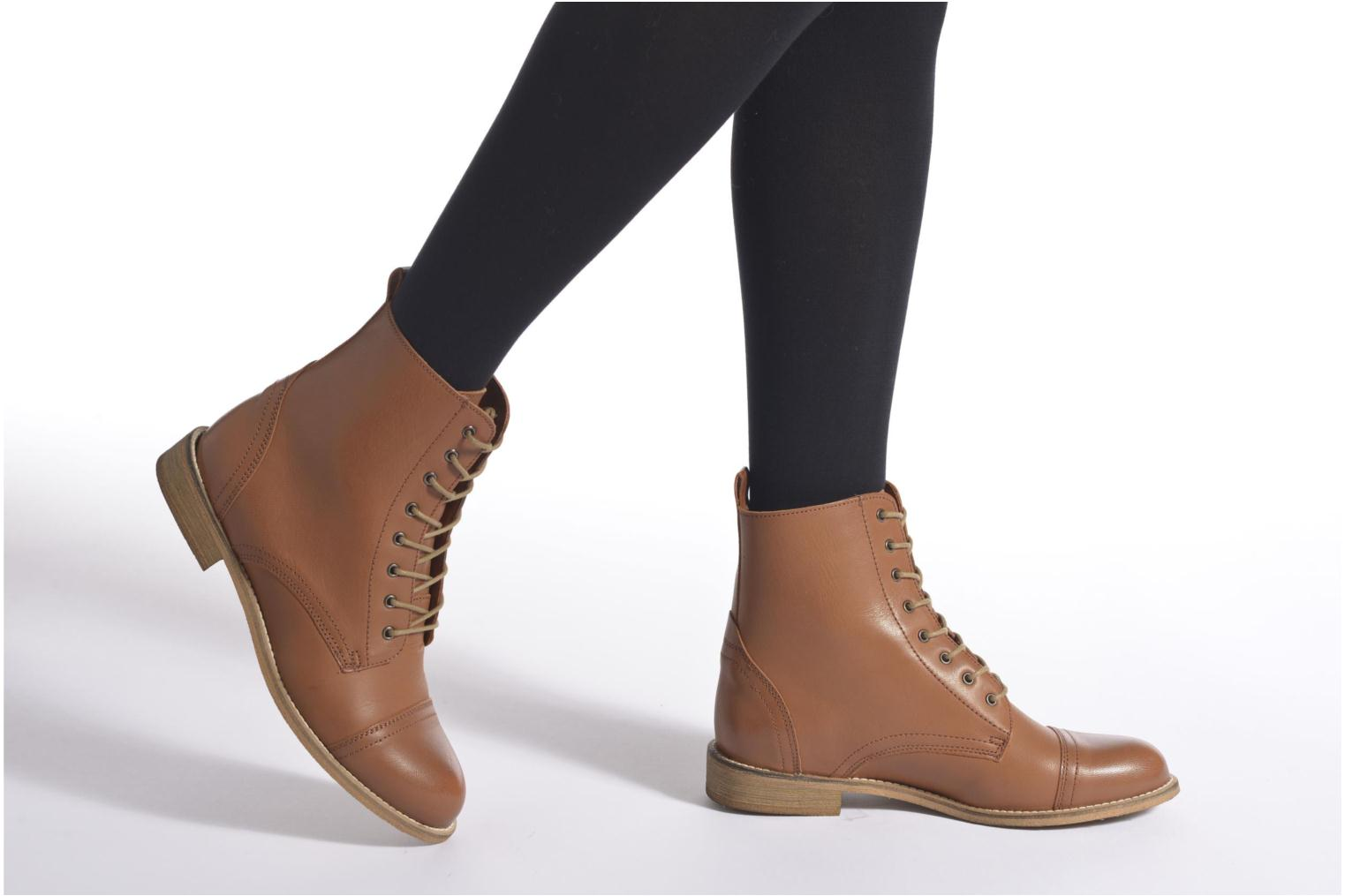 Ankle boots Ippon Vintage Denim Road Brown view from underneath / model view