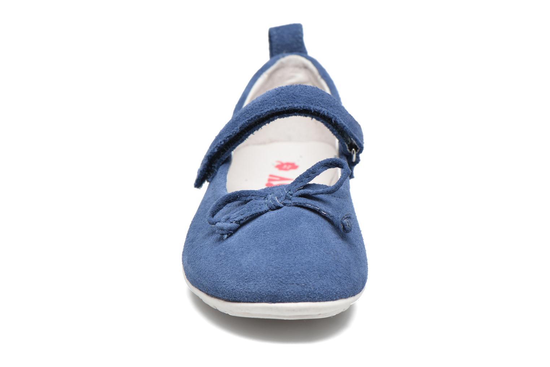 Ballerines ASSO Camelia Bleu vue portées chaussures