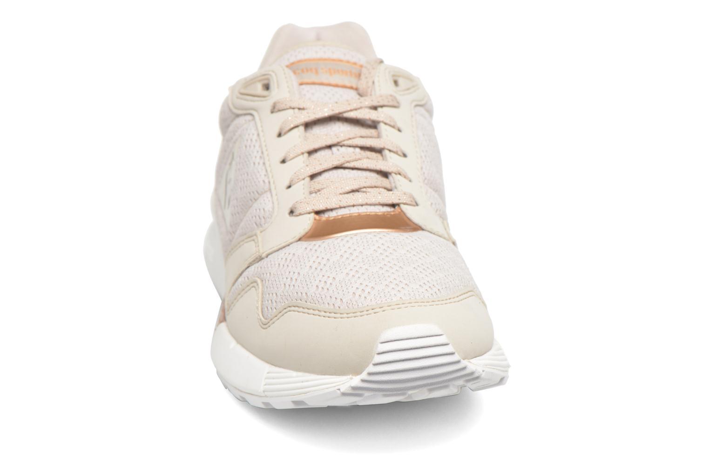 Baskets Le Coq Sportif Omega X W Metallic Beige vue portées chaussures