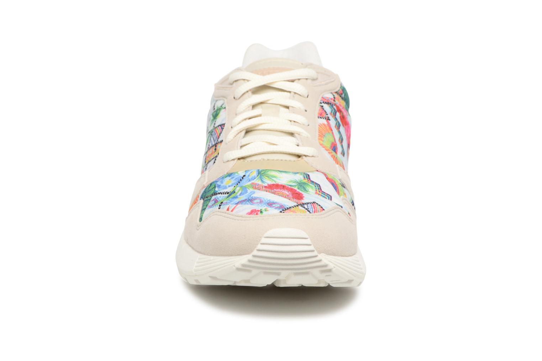 Baskets Le Coq Sportif Omega X W Garden Fusion Beige vue portées chaussures