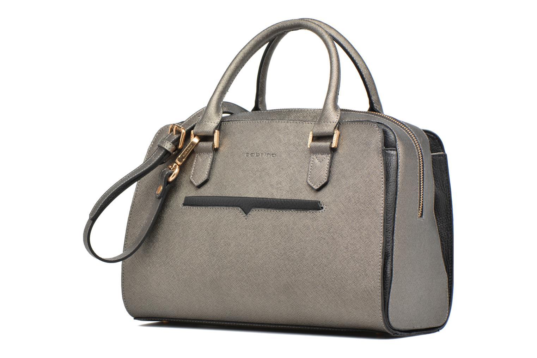 Handtaschen Sabrina Carolina grau schuhe getragen