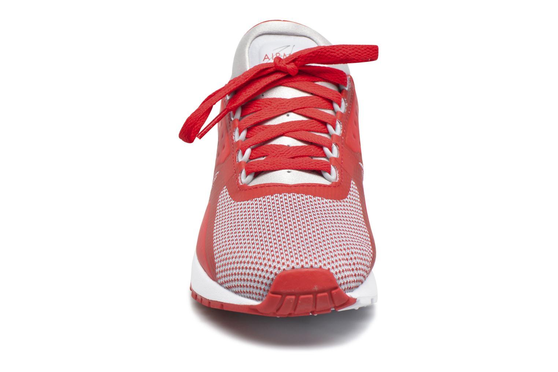 Baskets Nike Nike Air Max Zero Essential (Gs) Rouge vue portées chaussures