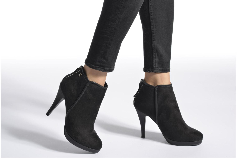 Boots en enkellaarsjes Refresh Elina-61124 Zwart onder