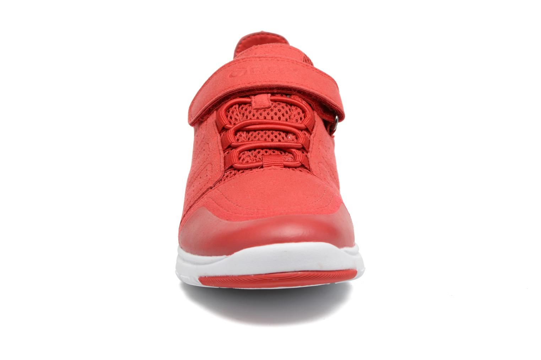 Baskets Geox J Xunday B. C J723NC Rouge vue portées chaussures