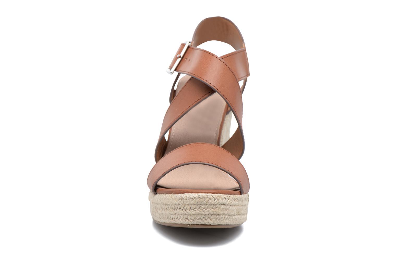Sandales et nu-pieds Xti Esthy 33489 Marron vue portées chaussures