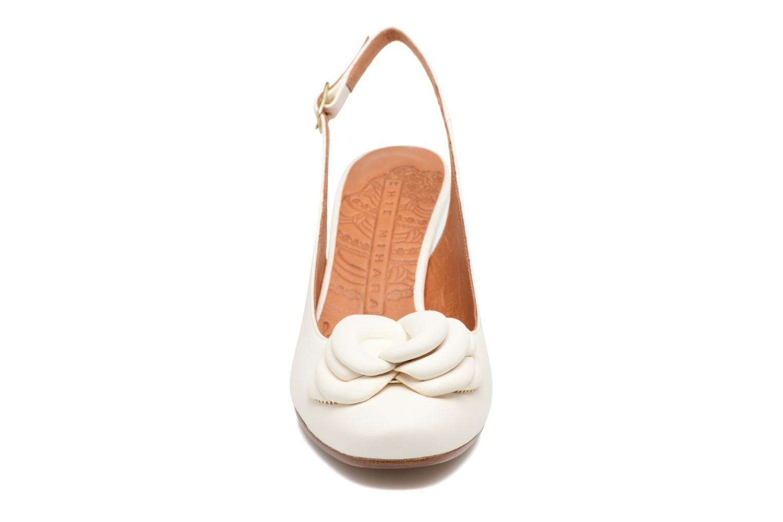 Sandales et nu-pieds Chie Mihara Bri Ripon Blanc vue portées chaussures