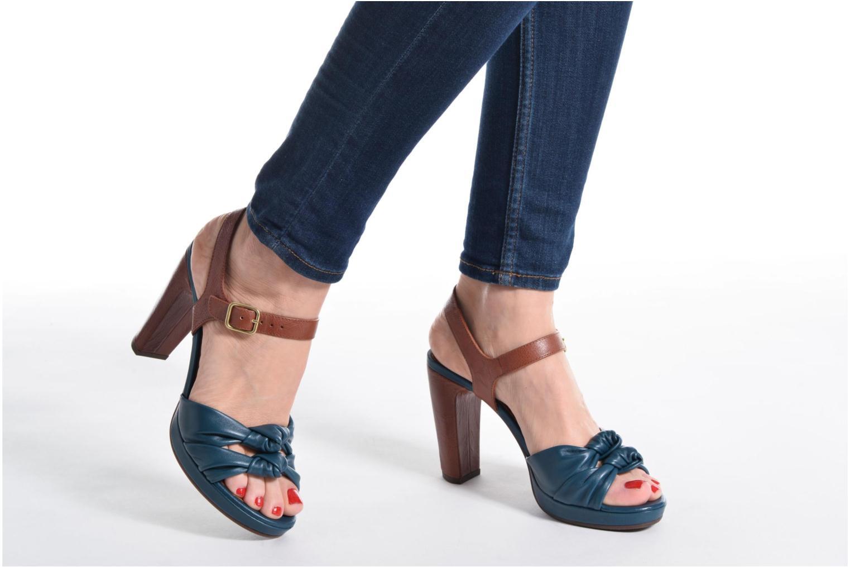 Sandales et nu-pieds Chie Mihara Champan Bleu vue bas / vue portée sac