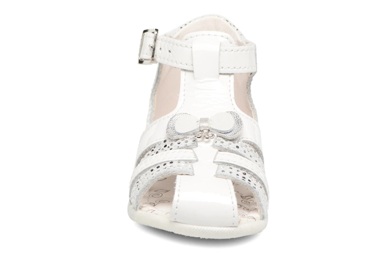 Sandales et nu-pieds Bopy Zafa Blanc vue portées chaussures