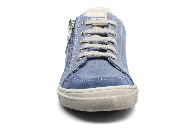 Sneakers Bopy Valajo Azzurro modello indossato