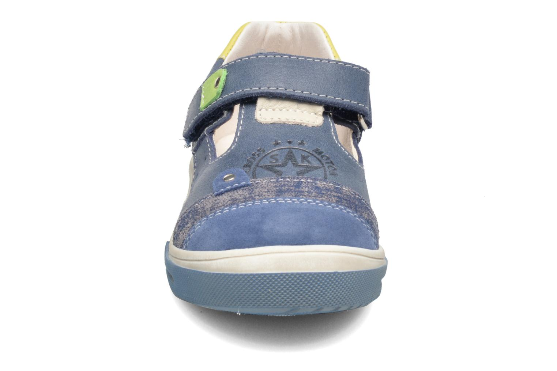 Sneaker Bopy Voba blau schuhe getragen