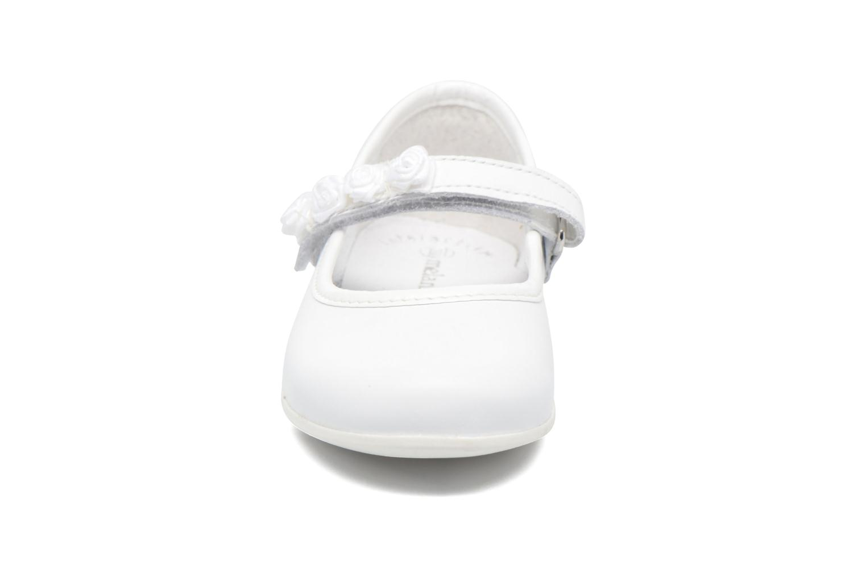 Ballerines Melania Mirtilla Blanc vue portées chaussures