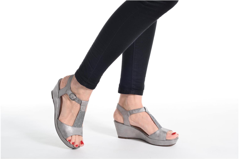Sandales et nu-pieds Madison Esolo Bleu vue bas / vue portée sac