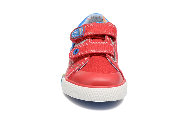 Baskets Pablosky Gaston Rouge vue portées chaussures