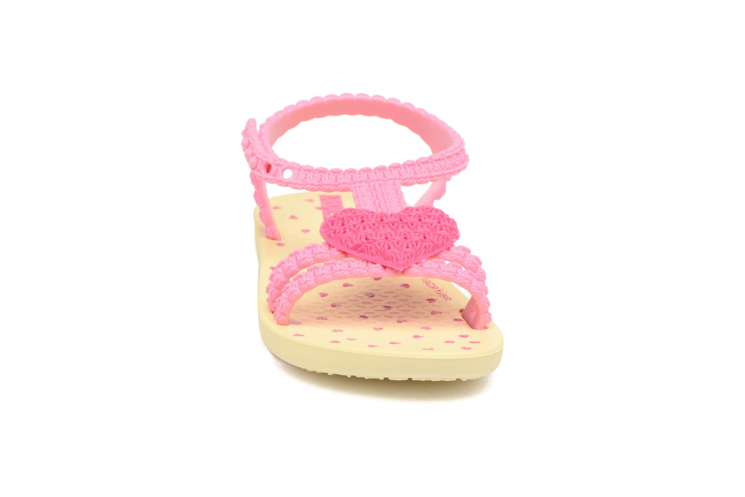 Sandales et nu-pieds Ipanema My First Ipanema BB Rose vue portées chaussures