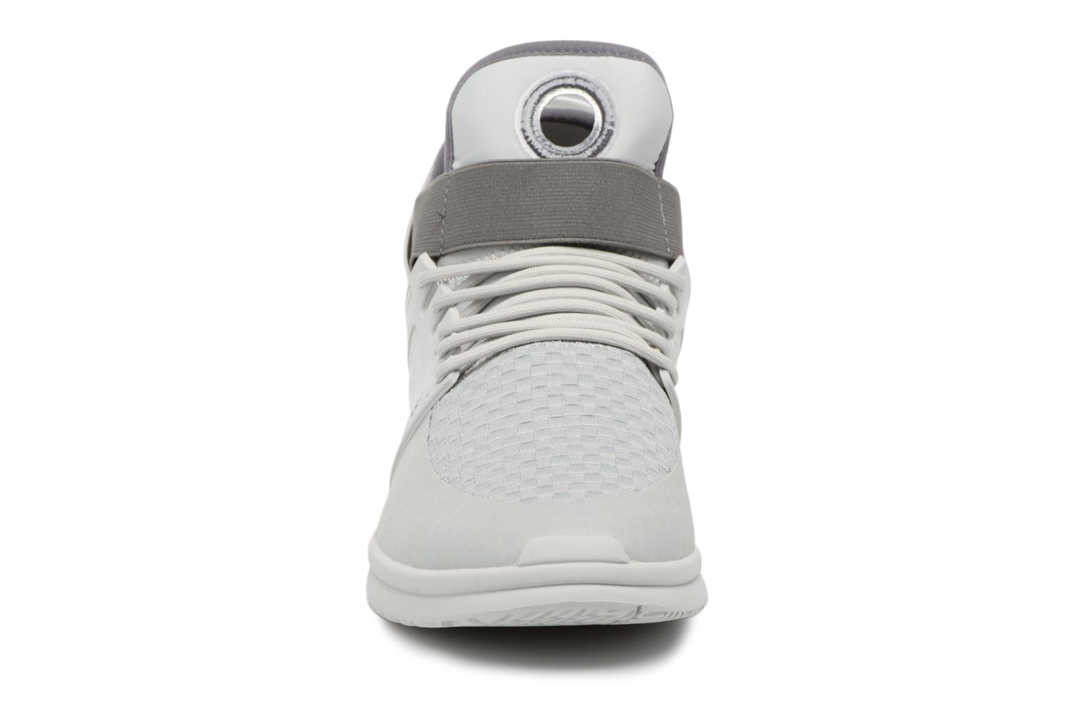 Sport shoes Supra Skytop V Grey model view