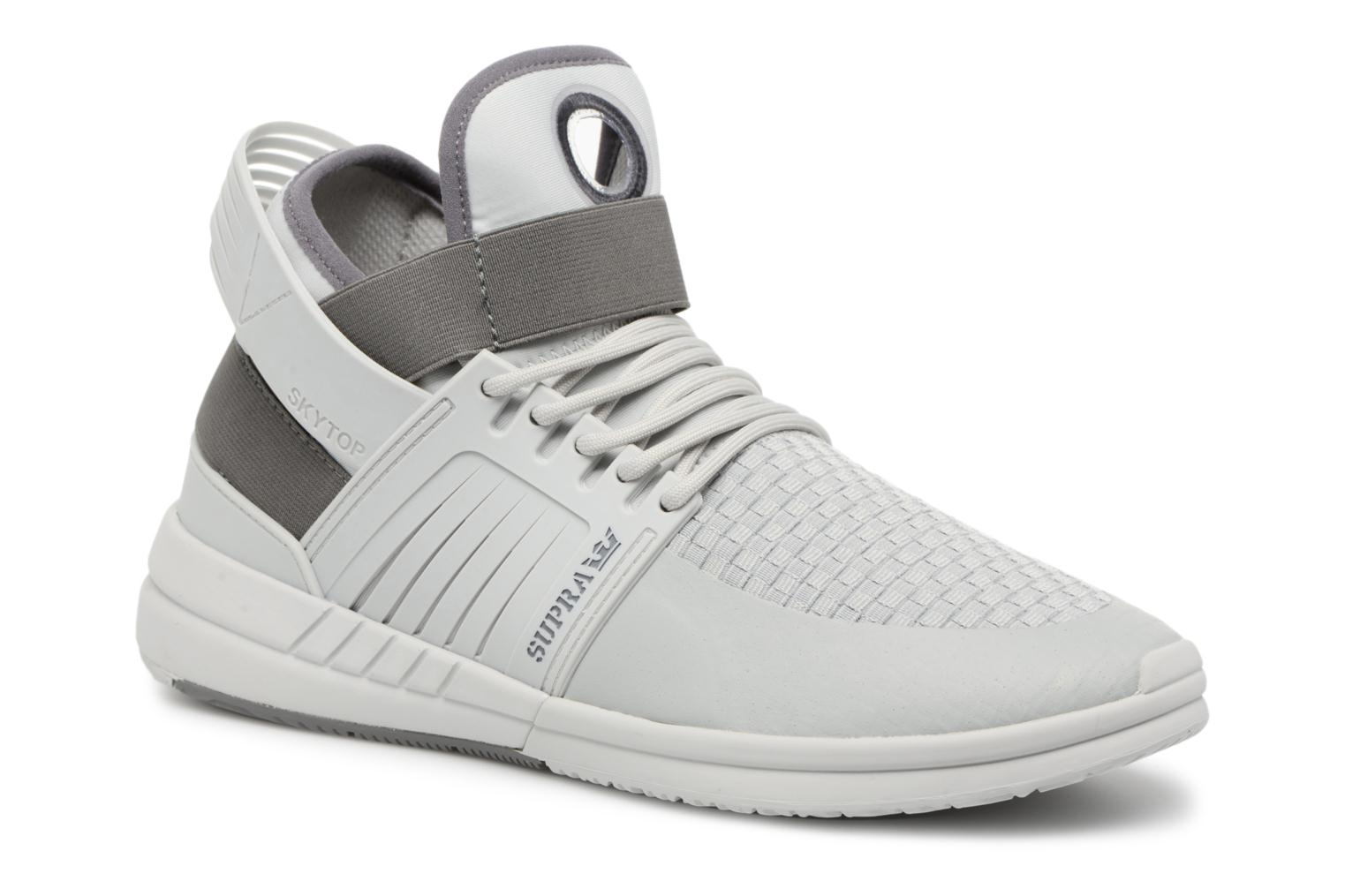 Sport shoes Supra Skytop V Grey detailed view/ Pair view
