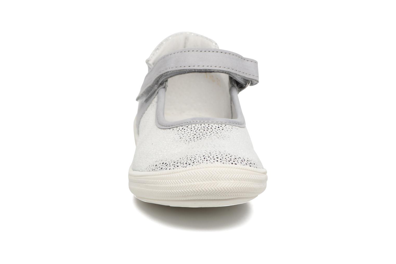 Ballerines Minibel Ludivine Argent vue portées chaussures