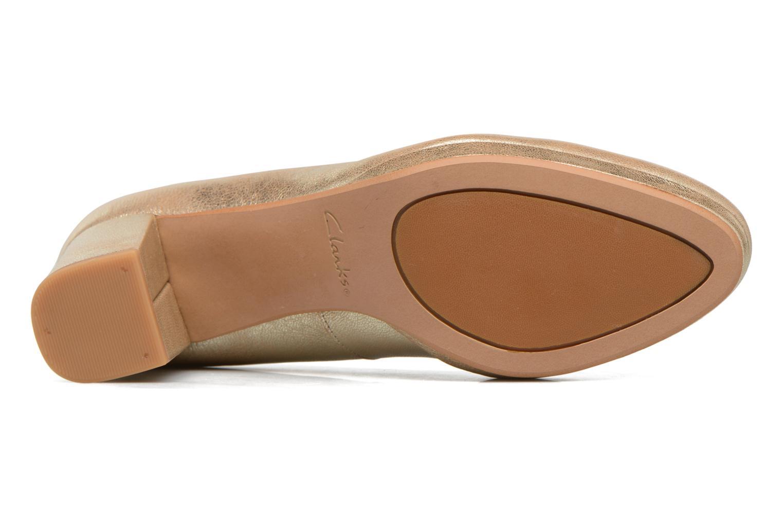 Zapatos de tacón Clarks Kelda Hope Oro y bronce vista de arriba