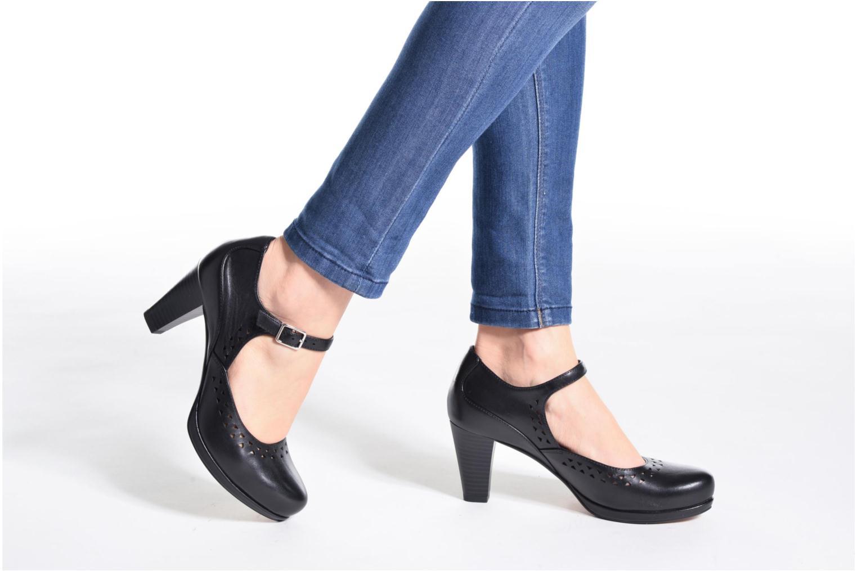 Zapatos de tacón Clarks Chorus Chime Negro vista de abajo